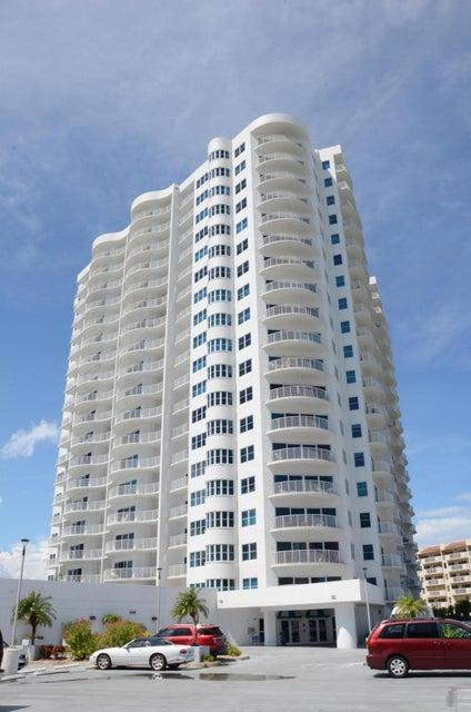 2 OCEANS WEST Boulevard 1709, Daytona Beach Shores, FL 32118