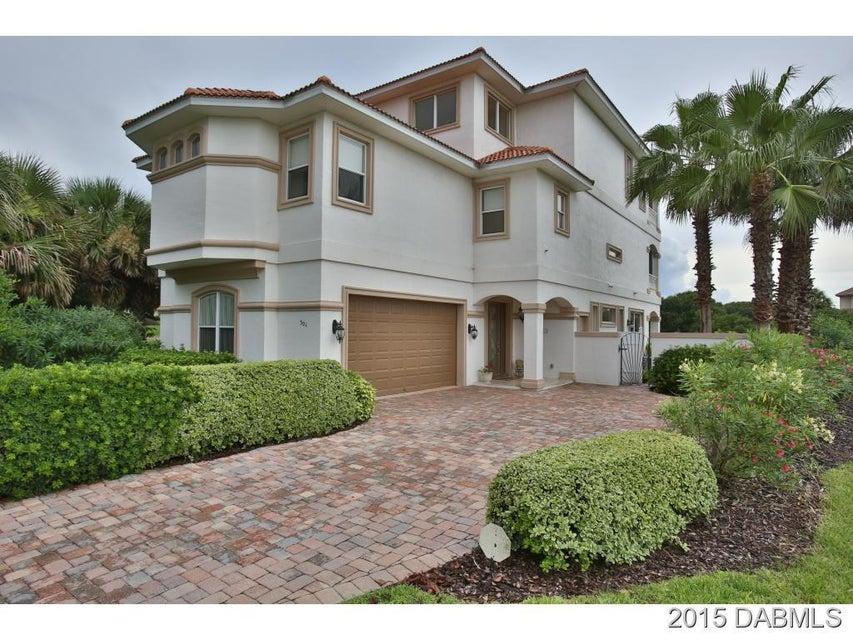 Photo of 301 Ocean Crest Drive, Palm Coast, FL 32137