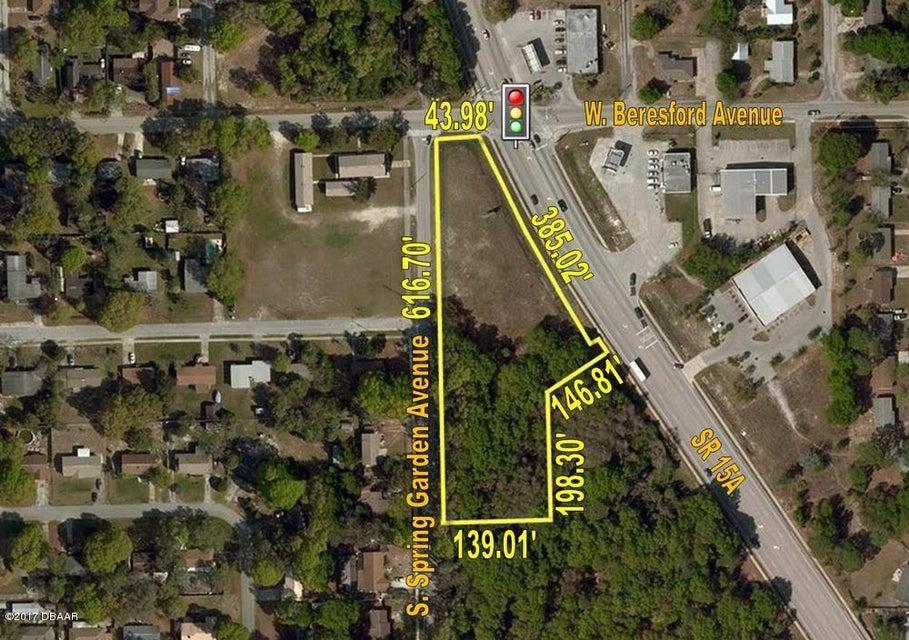Photo of home for sale at 915 Spring GardenAvenue, Deland FL