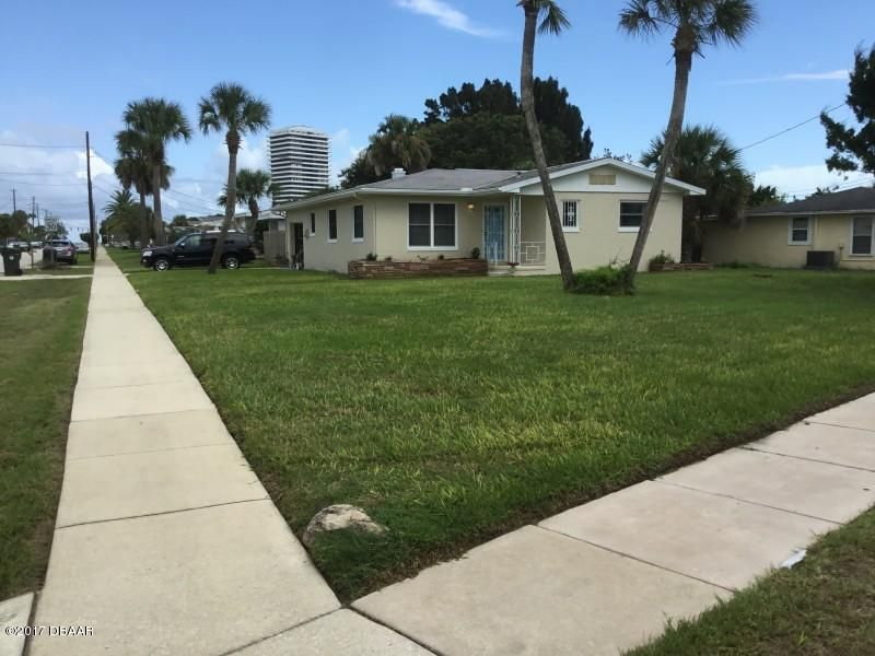 2214 N OLEANDER Avenue, Daytona Beach, FL 32118