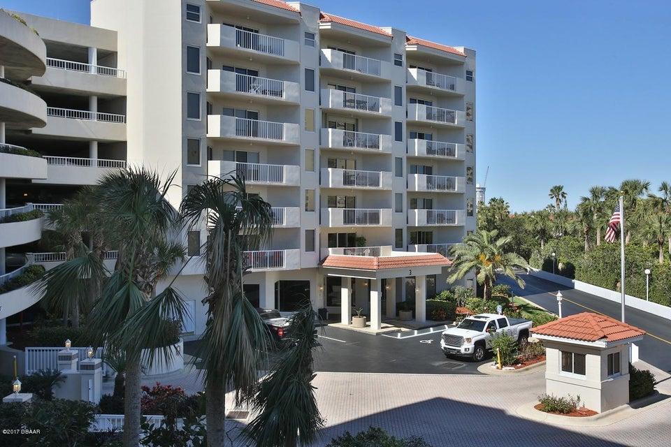 3 OCEANS WEST Boulevard 3D6, Daytona Beach Shores, FL 32118