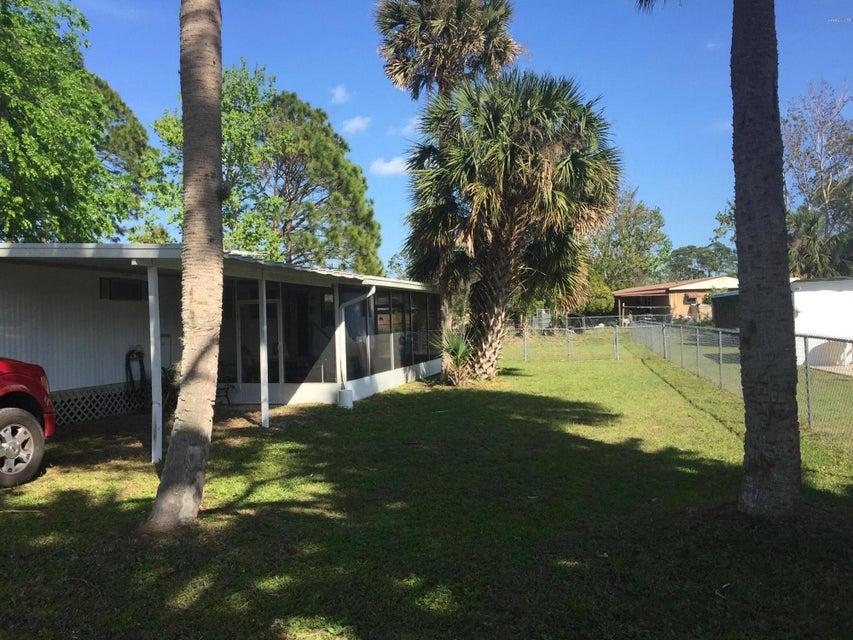 347 Beehive Drive, Oak Hill, FL 32759