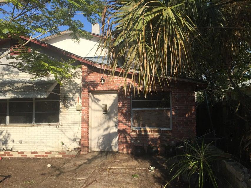 293 Newcomb Street, New Smyrna Beach, FL 32168