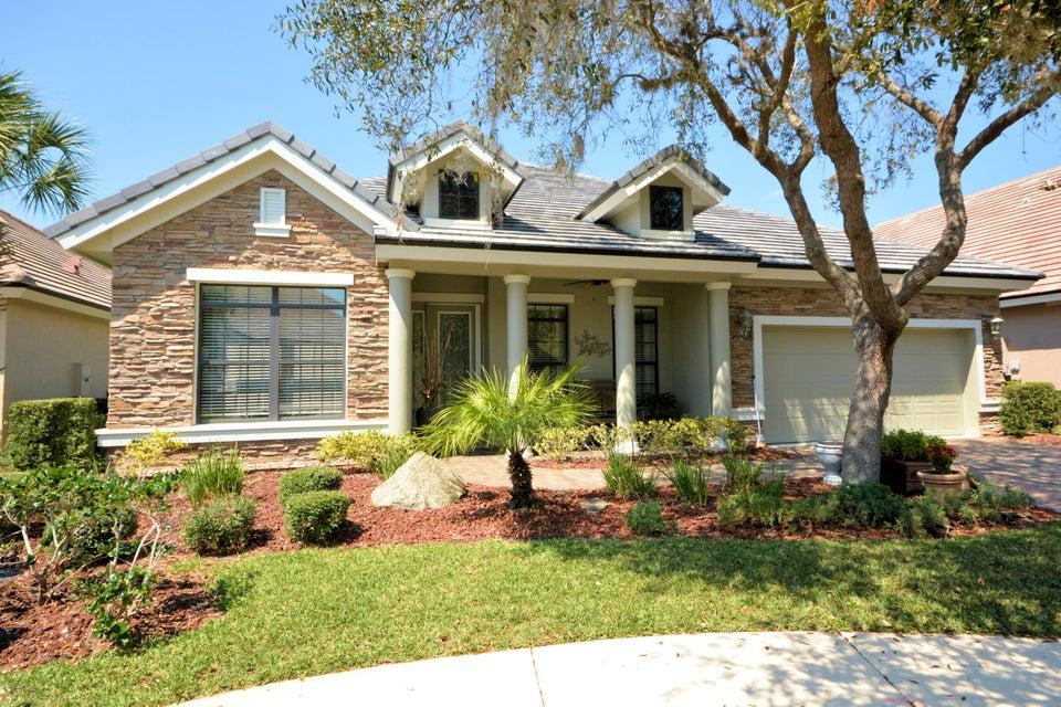 Photo of 7 Lakeside Drive, Palm Coast, FL 32137