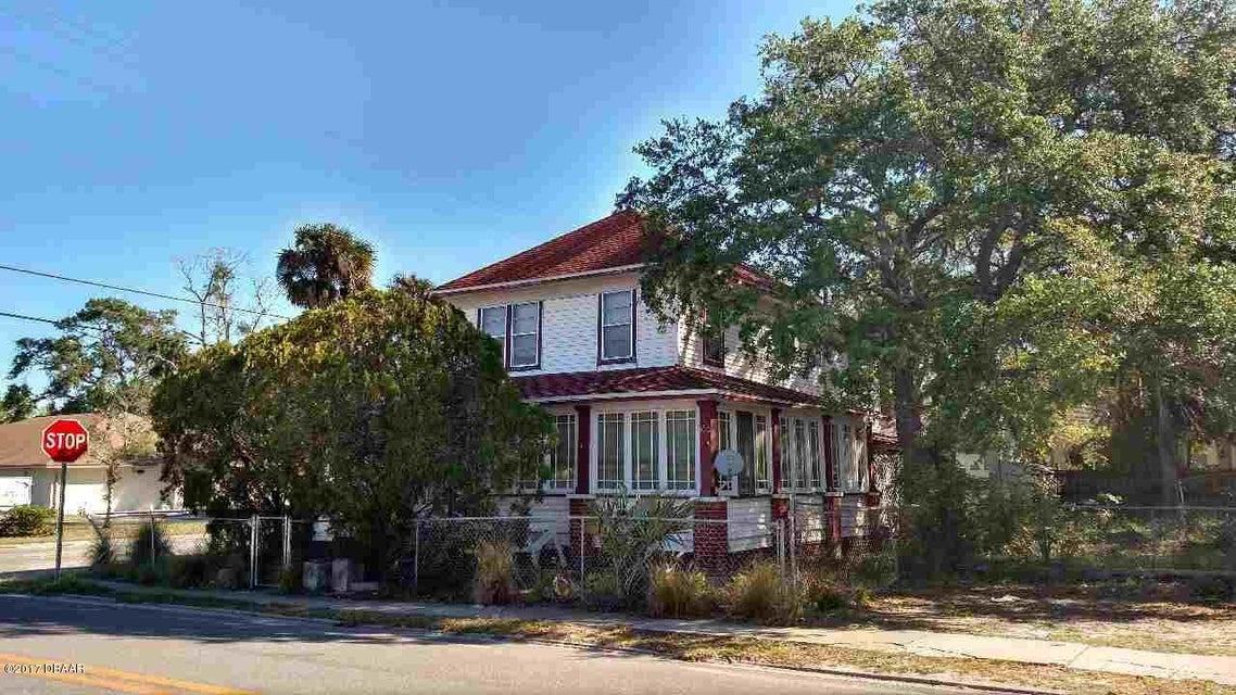 219 N Orange Street, New Smyrna Beach, FL 32168
