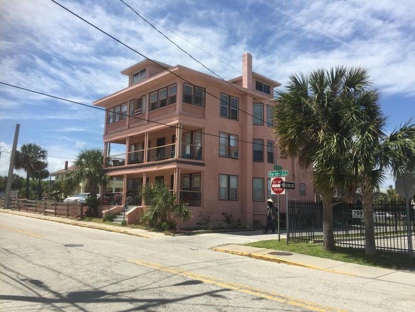 707 Harvey Avenue, Daytona Beach, FL 32118