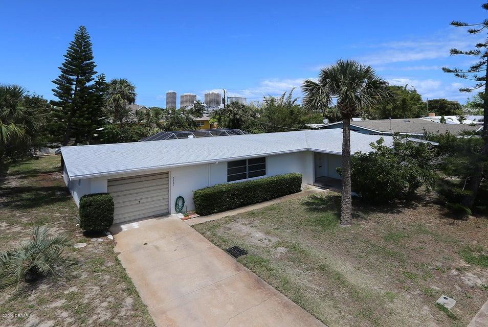 327 Auburn Drive, Daytona Beach, FL 32118