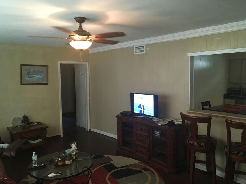 530 Madison Avenue, Daytona Beach, FL 32114