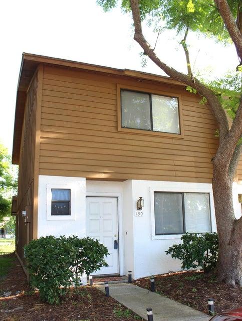 190 W Sandalwood Court, Daytona Beach, FL 32119