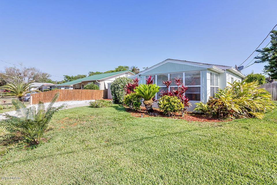 271 Woodland Avenue, Daytona Beach, FL 32118