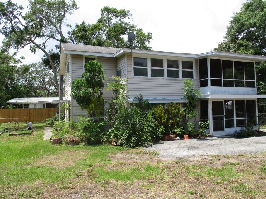 1530 Moravia Avenue, Daytona Beach, FL 32117