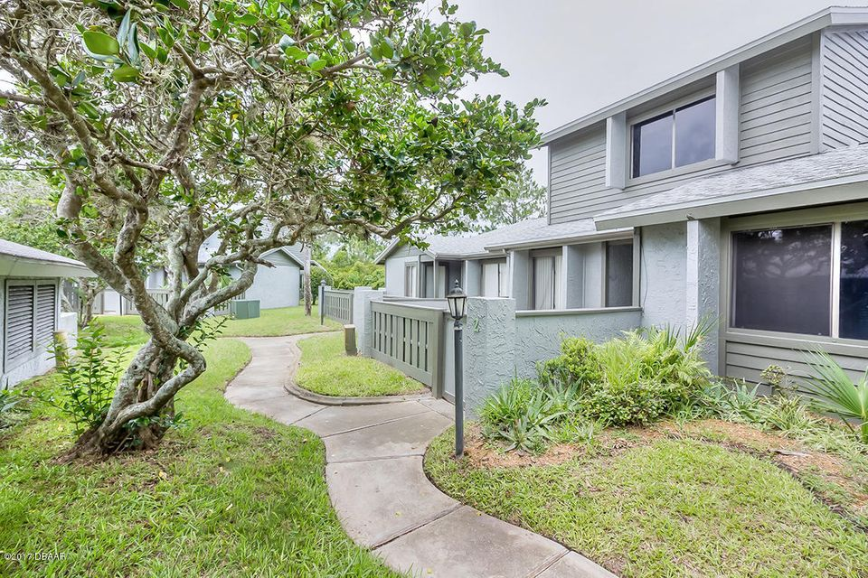 160 Limewood Place B, Ormond Beach, FL 32174