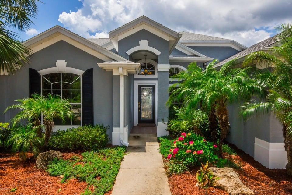 Photo of 10 Emerald Lake Court, Palm Coast, FL 32137