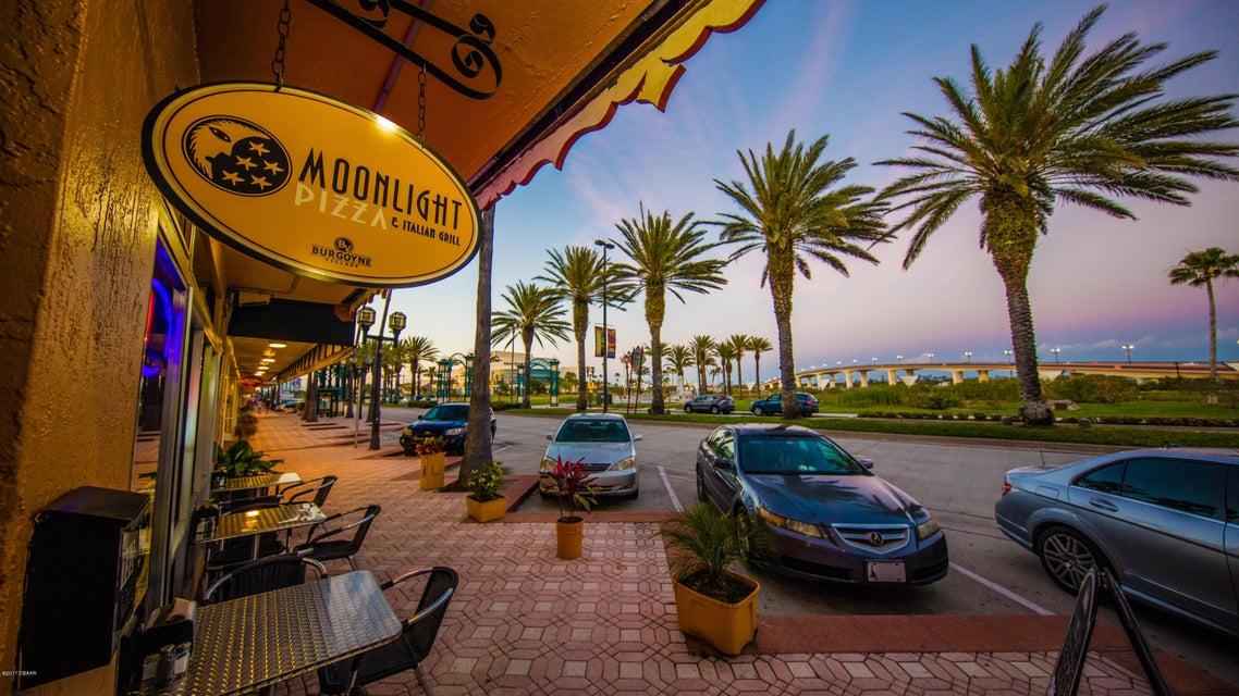 Photo of 132 N Beach Street, Daytona Beach, FL 32114