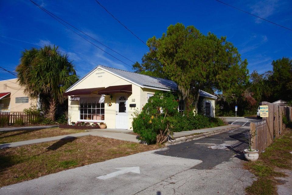 Photo of 103 E Park Avenue, Edgewater, FL 32132