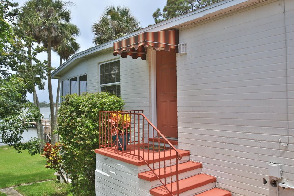 1015 Chaffee Place, Daytona Beach, FL 32118