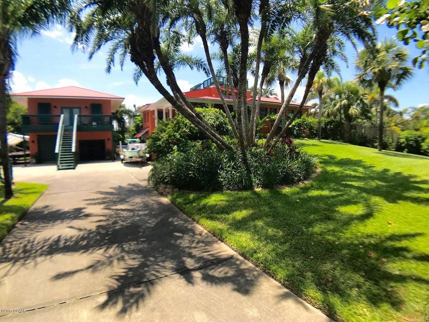 1616 N Peninsula Avenue, New Smyrna Beach, FL 32169