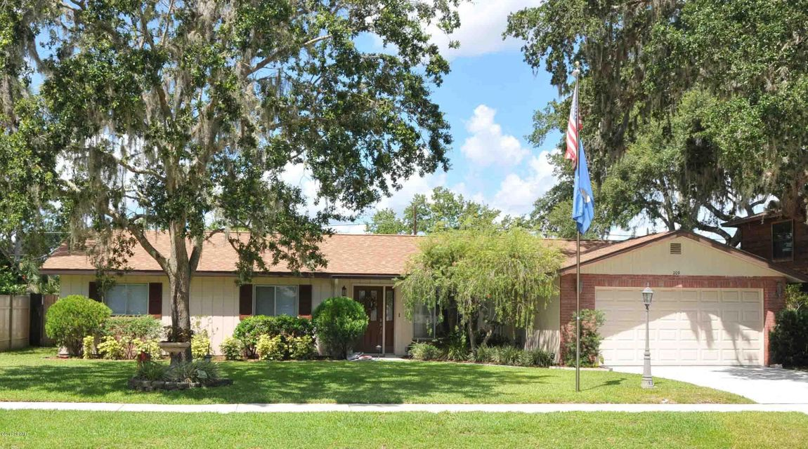 209 Brittany Avenue, Port Orange, FL 32127