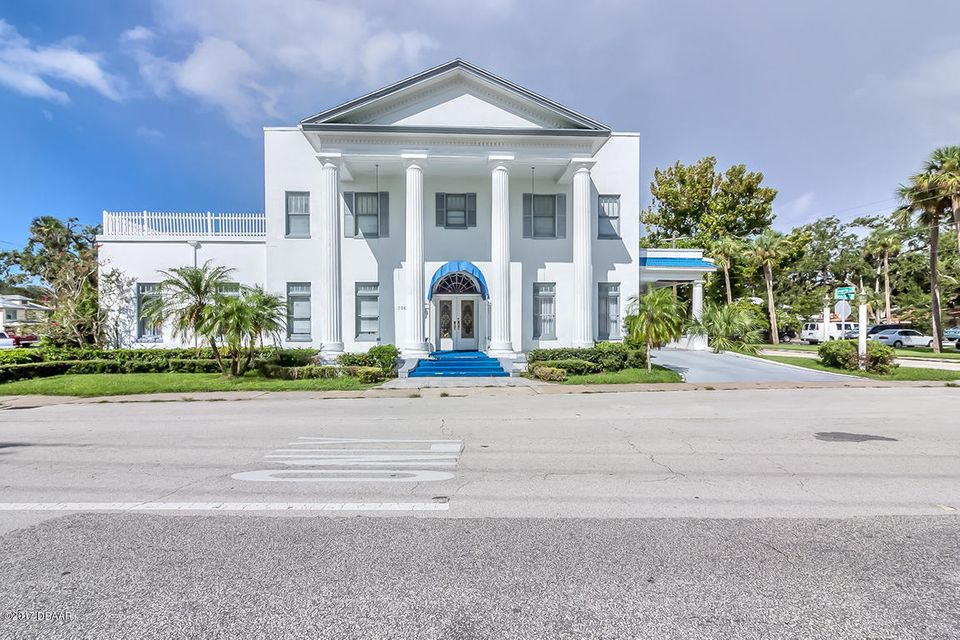 Photo of 736 S Beach Street, Daytona Beach, FL 32114