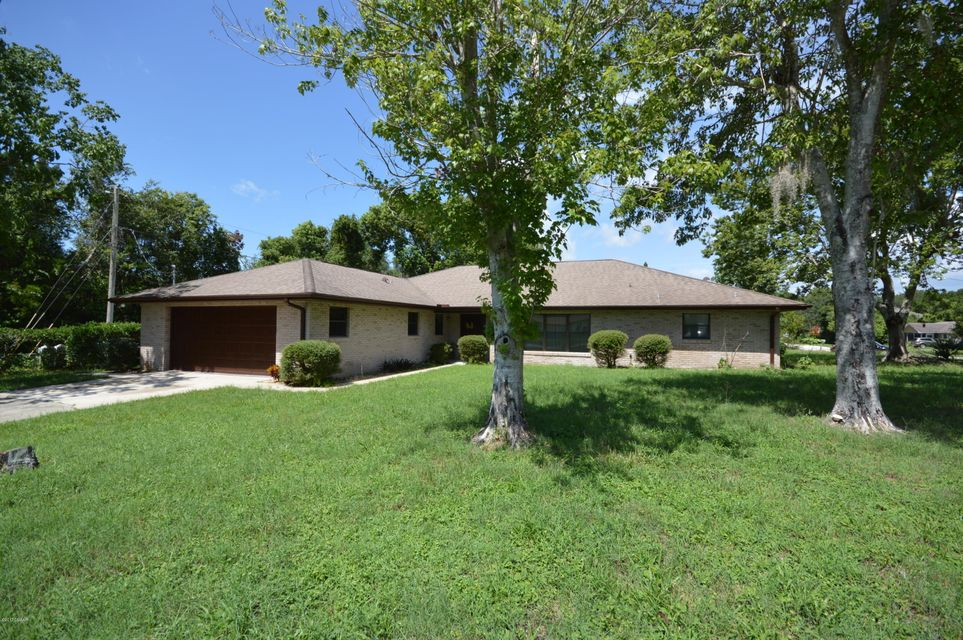 910 Whitewood Drive, Deltona, FL 32725