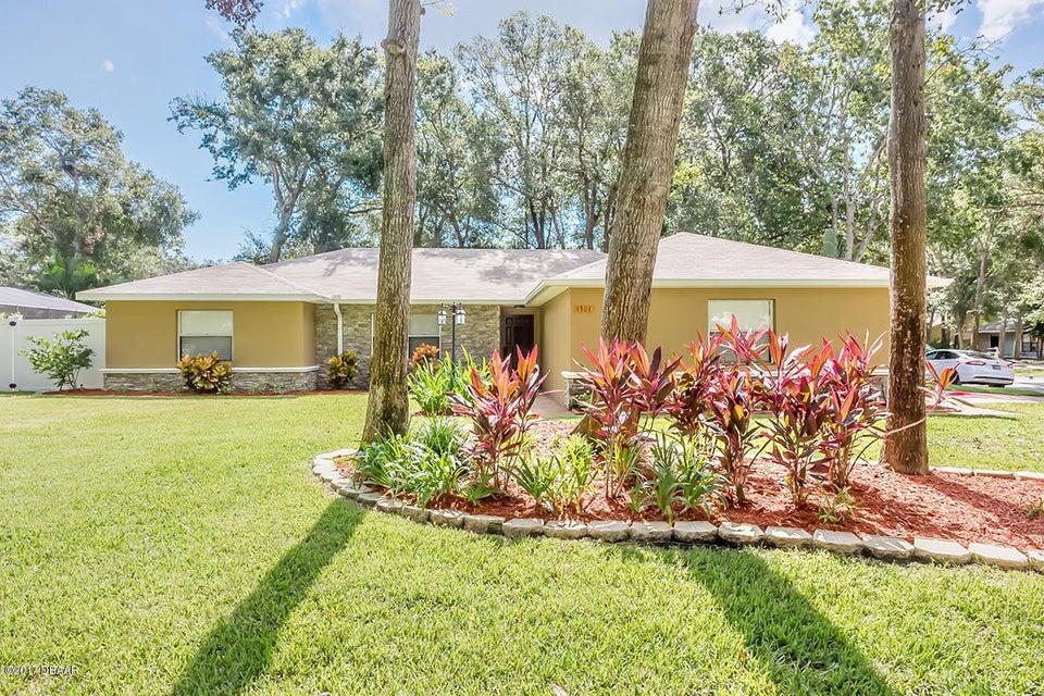 1301 Wandering Oaks Drive, Ormond Beach, FL 32174