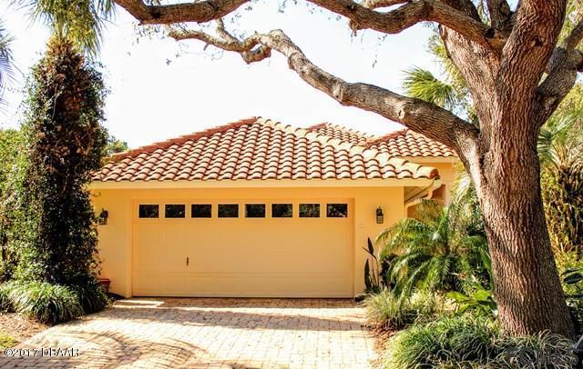 Photo of 13 N Laguna Court, Palm Coast, FL 32137