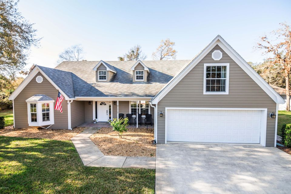 Photo of home for sale at 1 Cross CreekWay, Ormond Beach FL