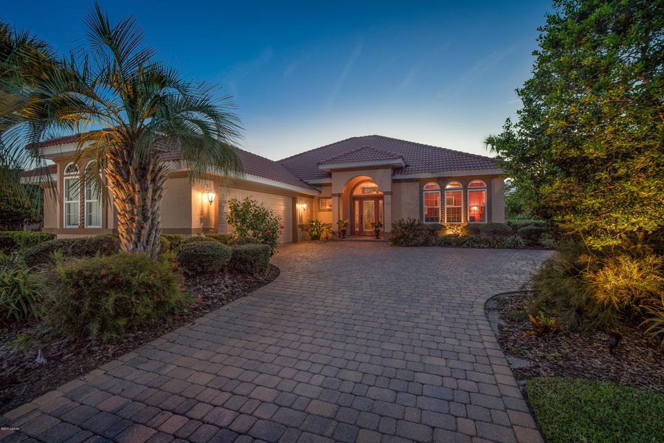 Photo of 28 W Oakview Circle, Palm Coast, FL 32137