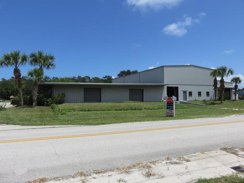 Photo of 301 Mango Tree Drive, Edgewater, FL 32132