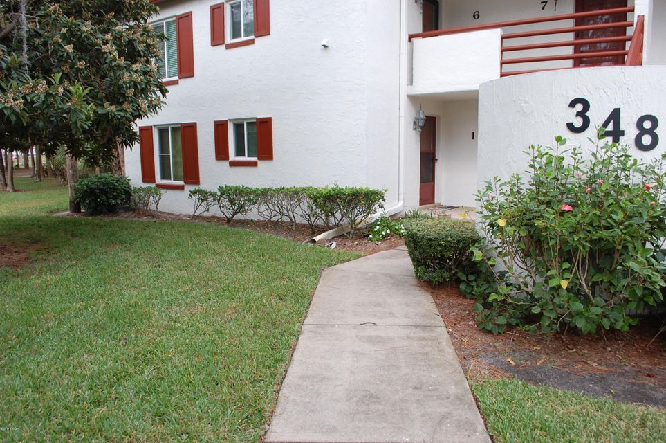 Condominium for sale in Not On The List, Daytona Beach