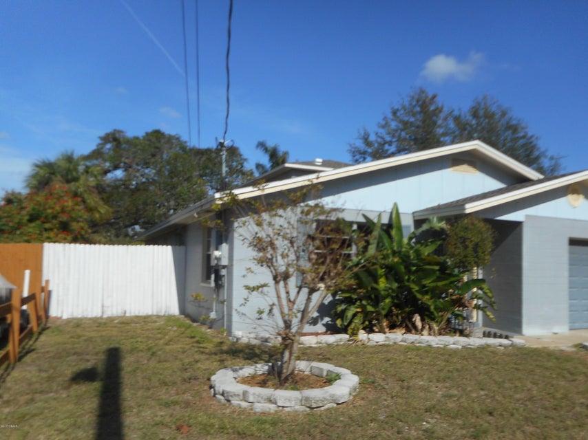 Photo of 400 Cherry Street, South Daytona, FL 32119
