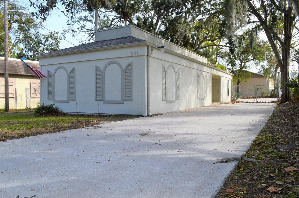 Photo of 221 Osceola Avenue, Daytona Beach, FL 32114