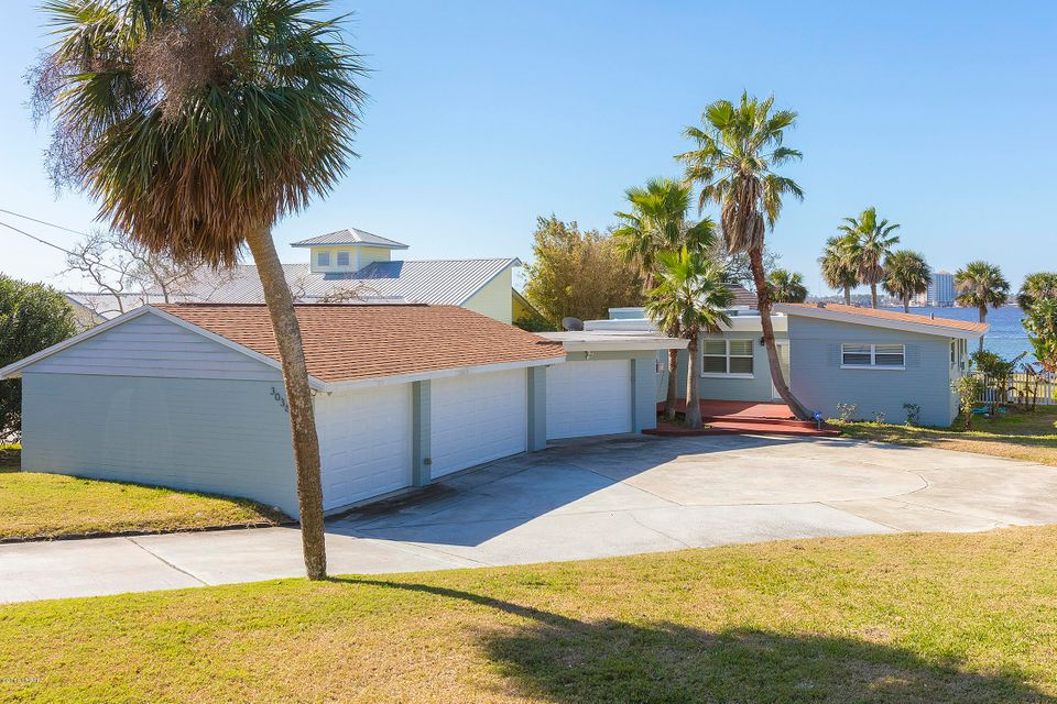 3036 S Peninsula Drive, Daytona Beach, Florida