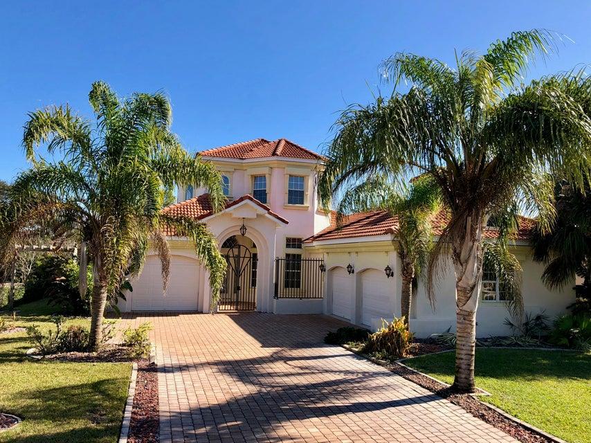 Photo of 13 S Lakewalk Drive, Palm Coast, FL 32137
