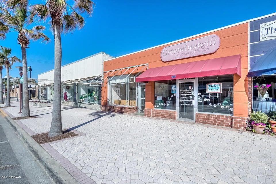 Photo of 305 Seabreeze Boulevard, Daytona Beach, FL 32118