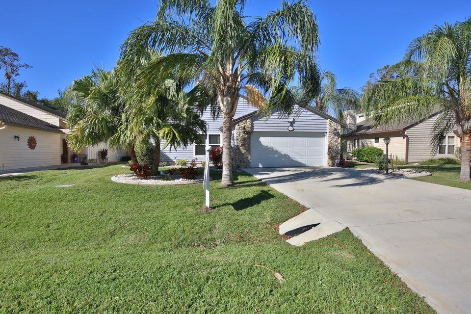 Photo of 116 N Gull Circle, Daytona Beach, FL 32119