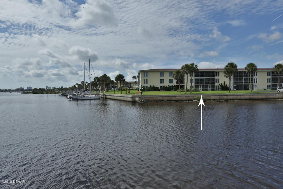 715 S Beach Street, Daytona Beach in Volusia County, FL 32114 Home for Sale