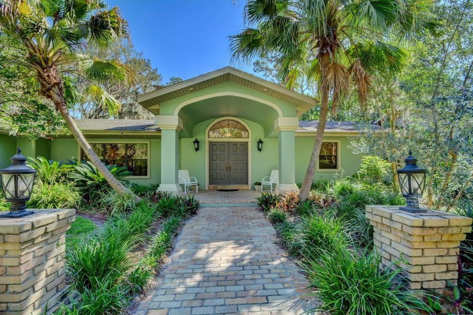 Photo of home for sale at 2121 HontoonRoad, Deland FL