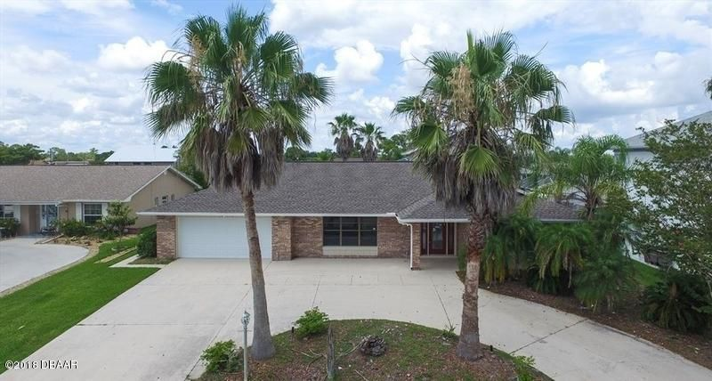 Photo of 14 S Cloverdale Court, Palm Coast, FL 32137