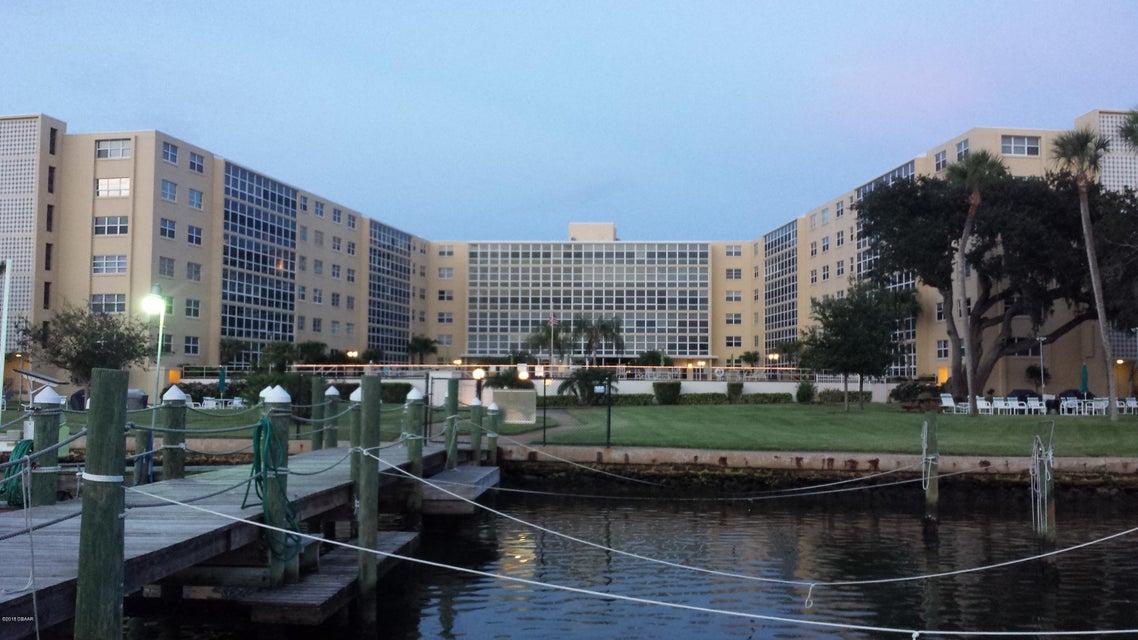 1224 S Peninsula Drive, Daytona Beach, Florida