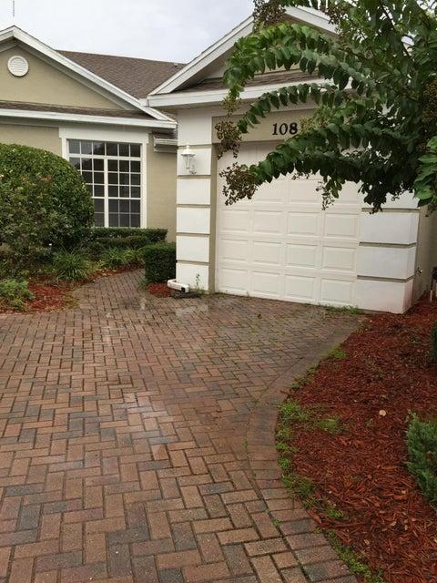 108  Bauer Circle, Daytona Beach, Florida