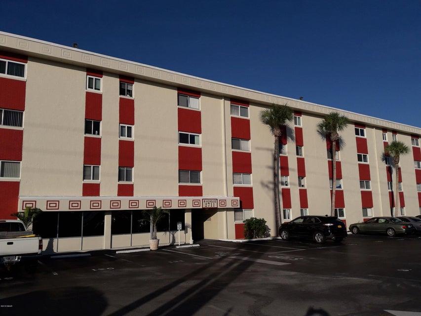 2711 N Halifax Avenue, Daytona Beach in Volusia County, FL 32118 Home for Sale