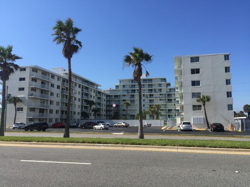 One of Daytona Beach 3 Bedroom Homes for Sale at 2727 N Atlantic Avenue