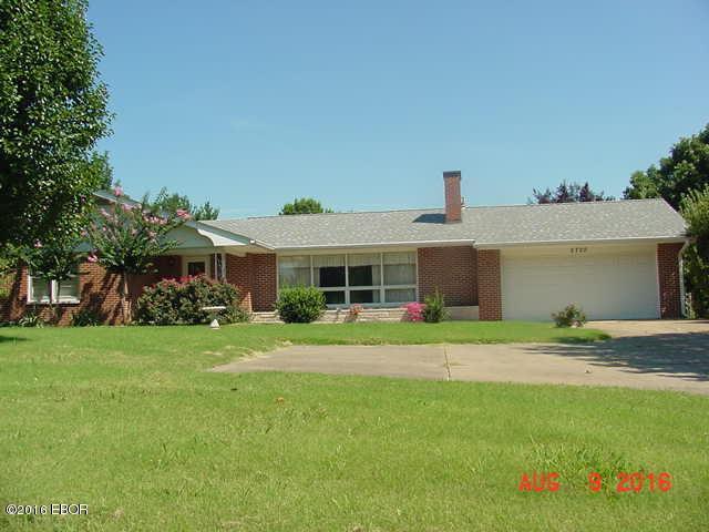 2720 W Murphysboro Road, Carbondale, IL 62901