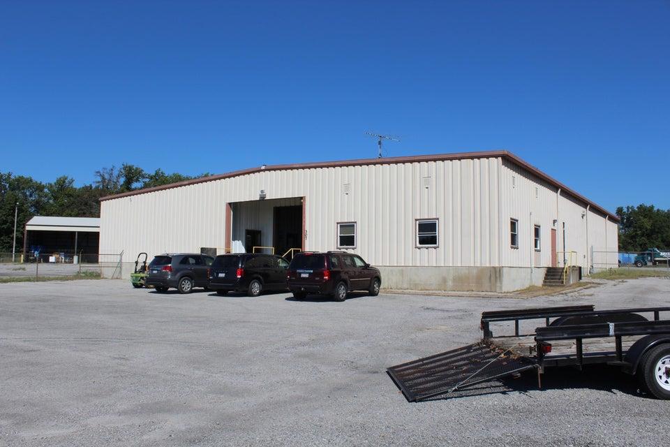 307 E Wastena, Benton, IL 62812