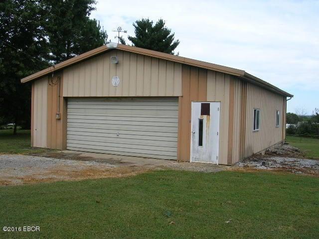 MLS#:409221 Address:  425 Beech Hollow Road Harrisburg 62946