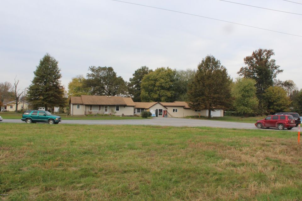 7832 Old Route 13, Marion, IL 62959