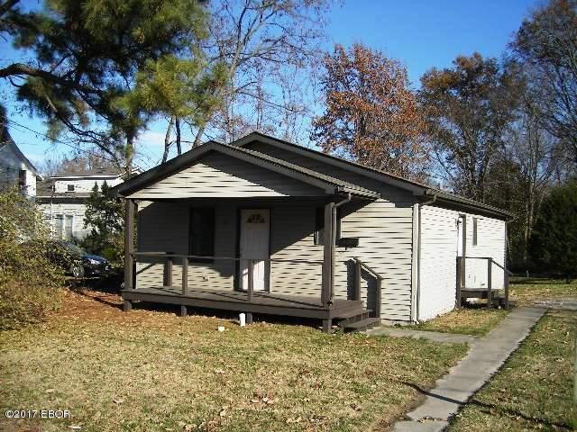 307 S James, Carbondale, IL 62901