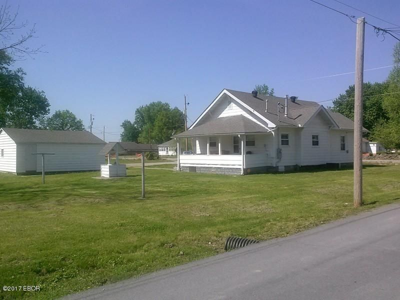 MLS#:411462 Address: N 1409 Russell Marion 62959