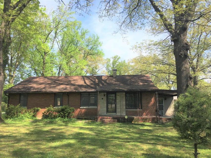 810 W Kennicott, Carbondale, IL 62901